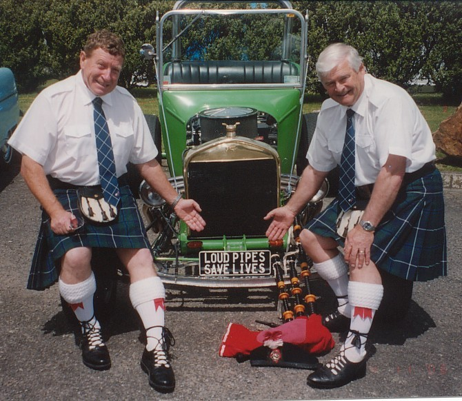 roy-and-malcolm-on-old-car
