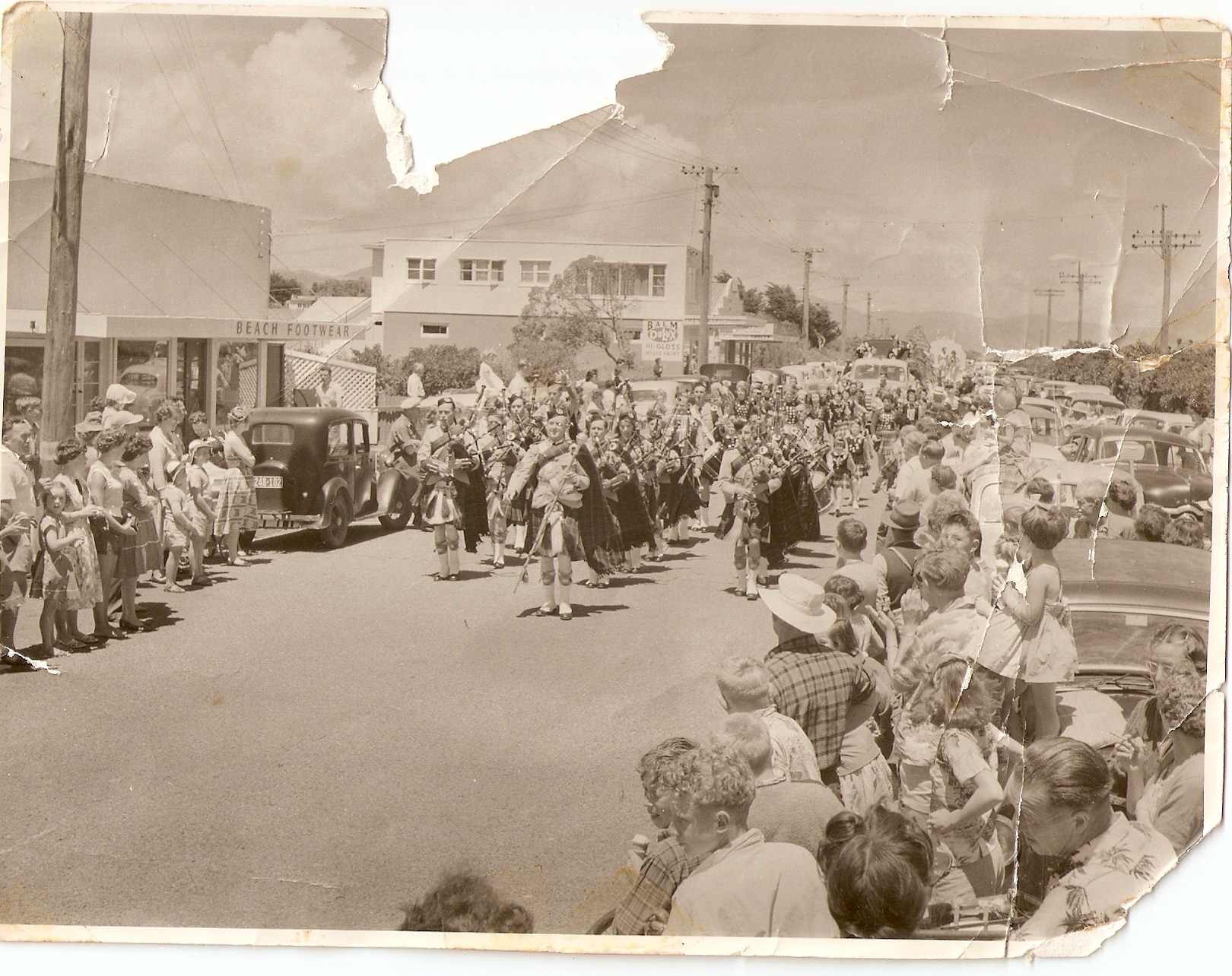 1954-band-parade-paraparaumu-beach